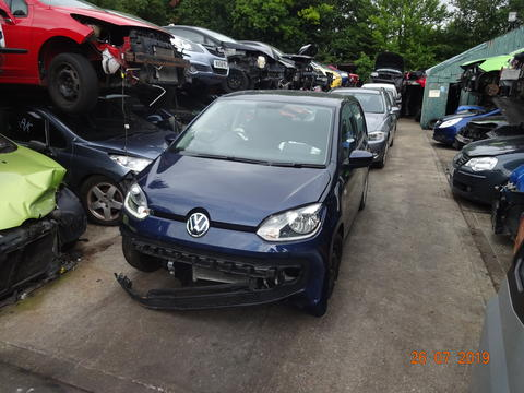 Breaking Volkswagen Up for spares #1