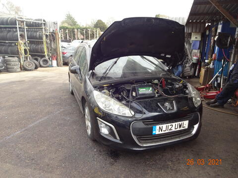 Breaking Peugeot 308 sw for spares #1